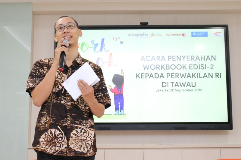 PT Astra Graphia Tbk in collaboration with SOS Children Villages Indonesia and the National Development Planning Agency (Bappenas) held a second 'Workbook' social program.